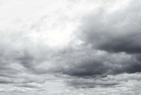 Donkere wolken kondigen pijn aan