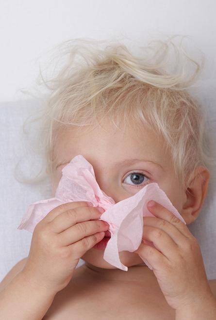 Kind lijdt aan verkoudheid en koorts